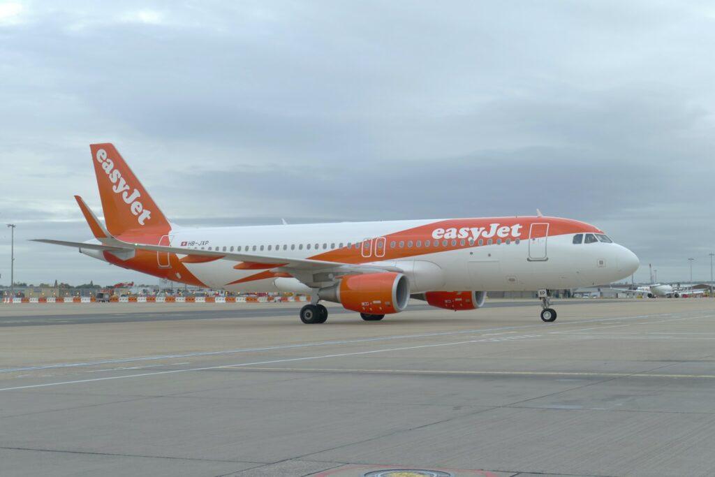 easyJet - bei Flugausfall bis zu 600 Euro Entschädigung mit ReiseRecht